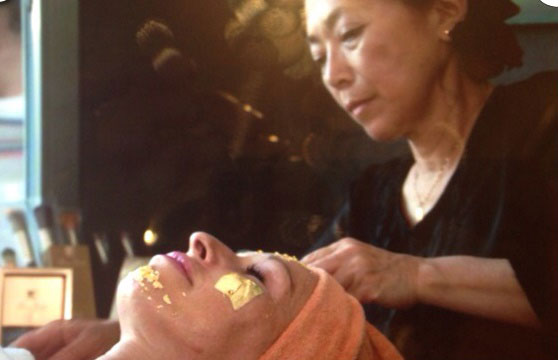 peeling-oro-mascarilla-palma-mallorca-clinica-medicina-estetica-borne-15-2